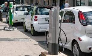 Peste 6.000 de autoturisme ecologice, achiziţionate de români, în 11 luni; salt de 150% la maşinile electrice