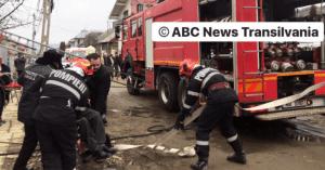 VIDEO: INCENDIU la Turda. O persoană imobilizată, salvată de pompieri