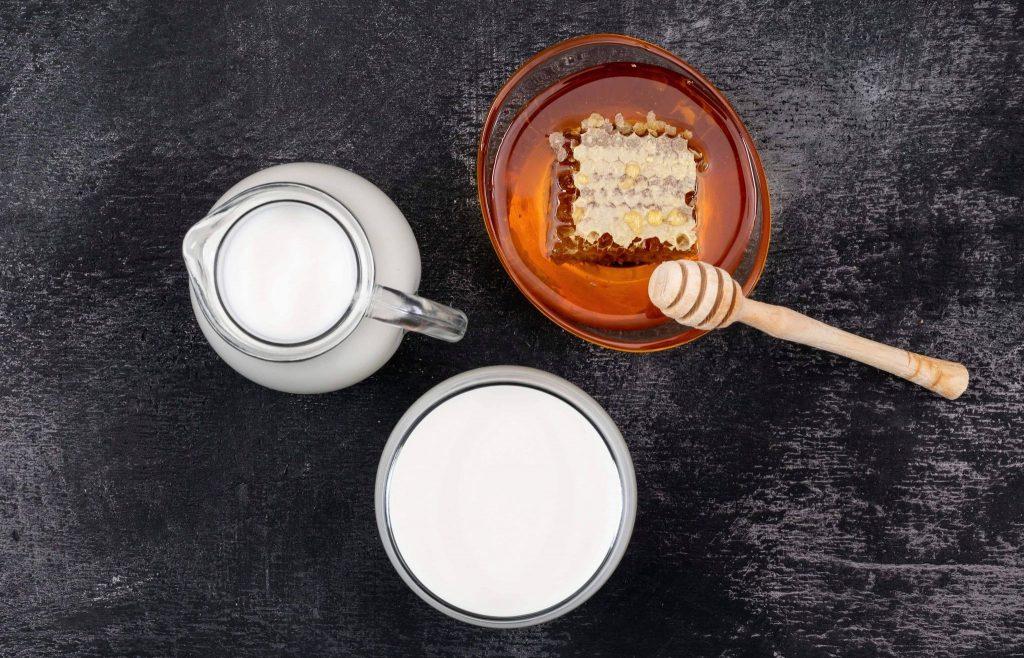 Măști de față pentru iarnă cu lapte
